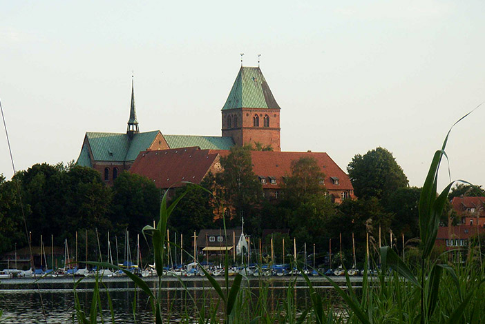 Ratzeburger Dom von Bäk über den Ratzeburger See